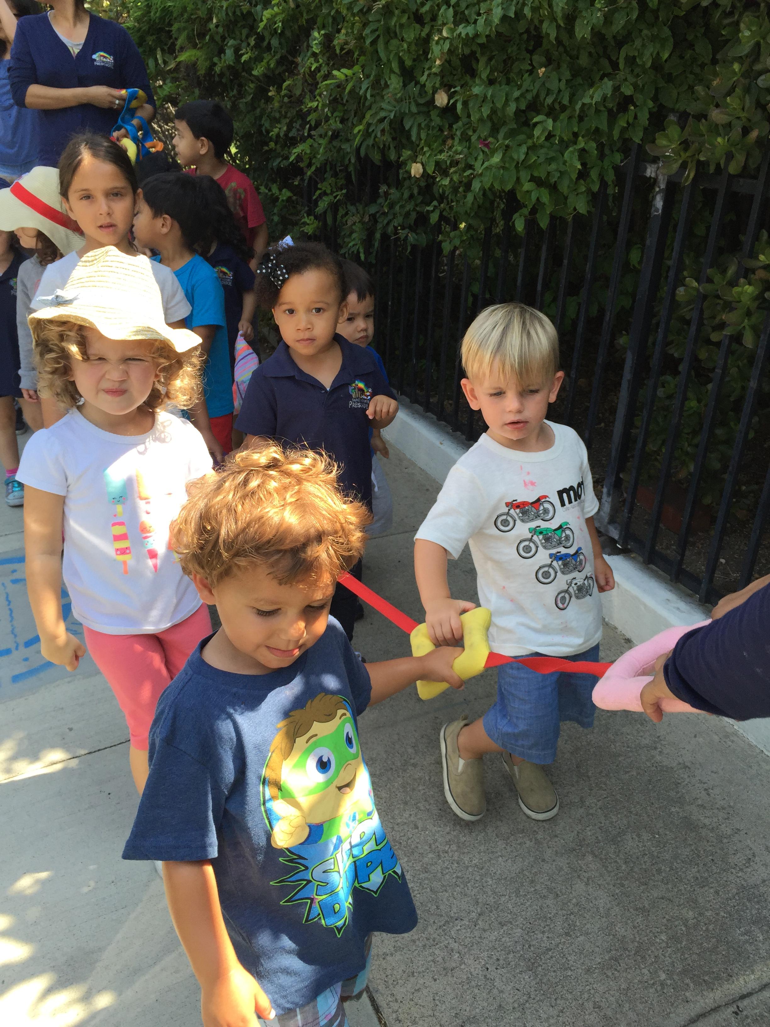 Neighborhood Walking Trips Saint Victors Preschool